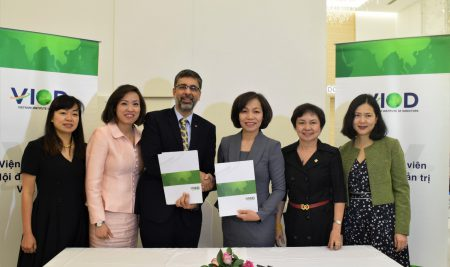 MEMORANDUM OF UNDERSTANDING SIGNING BETWEEN VIOD AND CCL FOR JOINT RESEARCH PROJECT