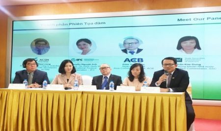 """The event """"The Corporate Secretary's Roles in Shaping the Future's Success"""" is jointly organized by VIOD, HNX, HOSE and IFC"""